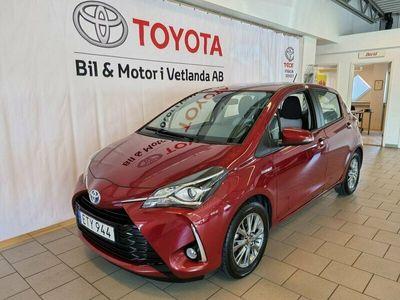 begagnad Toyota Yaris Hybrid 1,5 HSD Active (v-hjul)