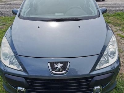 begagnad Peugeot 307 sw 2.0 140hk panoramatak