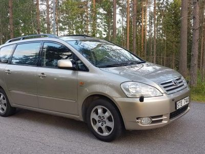 brugt Toyota Avensis Verso 7 sits -02