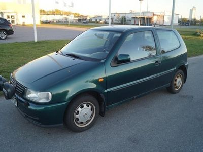 begagnad VW Polo 1.4i 60 HK NYBES / 8500 mil -97