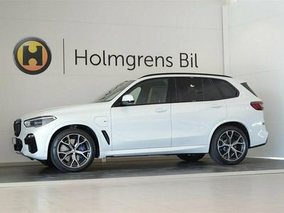 "begagnad BMW X5 xDrive45e M-Sport Innovation Travel Laser 21"" (394hk)"