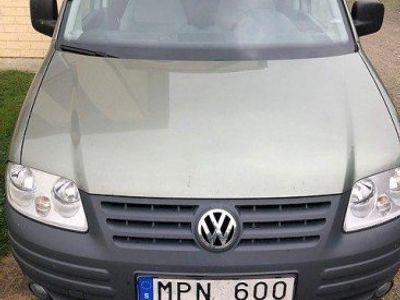 begagnad VW Caddy Life 1.9 TDI DSG Sekventiell 105hk