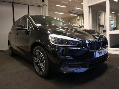 begagnad BMW 225 Active Tourer xe Sport line 224hk