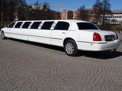 begagnad Lincoln Town Car 4.6 V8 Limousine EXTRA LÅNG