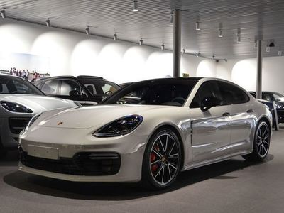 begagnad Porsche Panamera GTS // Drive and Fly 18/1-18/2
