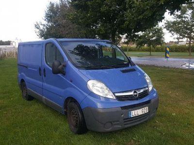 begagnad Opel Vivaro 2,5 -08
