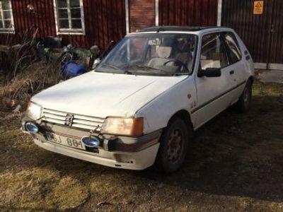 begagnad Peugeot 205 -90