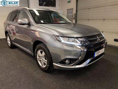 begagnad Mitsubishi Outlander P-HEV 2.0 Hybrid 4WD 203hk Vhjul, drag