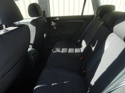 begagnad VW Golf 1,6 Tdi combi Aut.*ränta 1,95%*