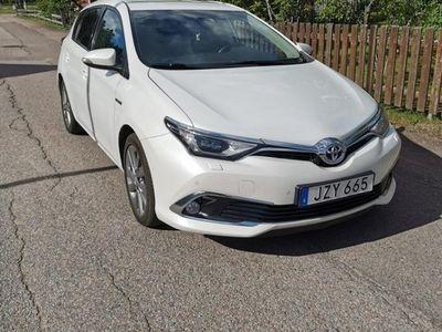 begagnad Toyota Auris 1.8 HSD Executive