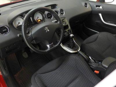 begagnad Peugeot 308 5D ALLURE 1,6 E-HDI