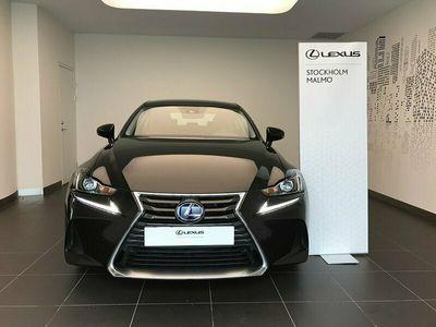 begagnad Lexus IS300h Comfort med Navigation och Adaptiv Farthållare 223 hk