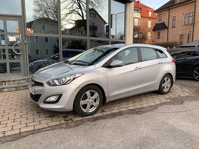 begagnad Hyundai i30 1.6 CRDi 110hk / Drag / V-hjul