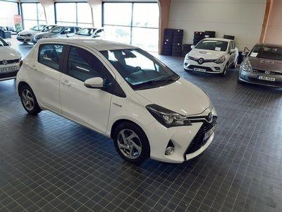 begagnad Toyota Yaris Hybrid 1.5 VVT-i CVT Euro 6 1 BRUKARE 2016, Halvkombi 94 900 kr