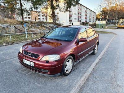 begagnad Opel Astra 5-dörrar 1.8 Manuell,