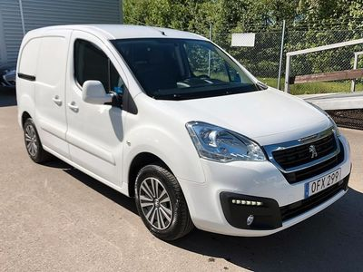begagnad Peugeot Partner 1.6 HDI 75 HK Pro skåp (Dragkrok)