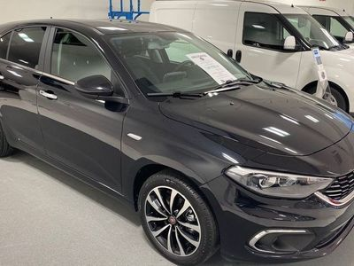 begagnad Fiat Tipo Lounge 5d 1,6 MY20