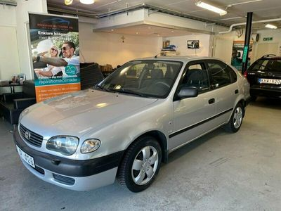 begagnad Toyota Corolla Liftback 1.4 VVT-i LÅGMIL 2001, Halvkombi Pris 19 900 kr