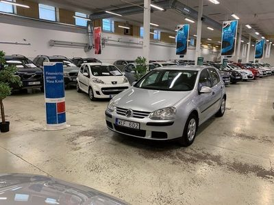 begagnad VW Golf 1.6FSI Ny Bes Ny Servad Drag 115hk