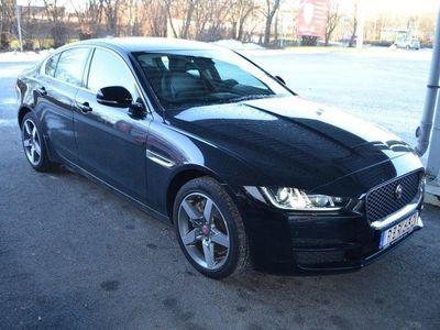 begagnad Jaguar XE 2,0D 180hk AWD Prestige Aut Dvärmare Fjärr Nav Euro6