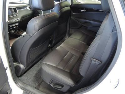 begagnad Kia Sorento 2,2 CRDI 200hk AWD 7sits Automat