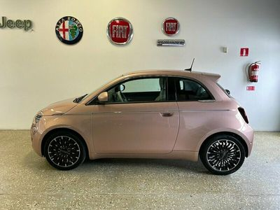 begagnad Fiat 500e (3+1) 42 kWh 118hk