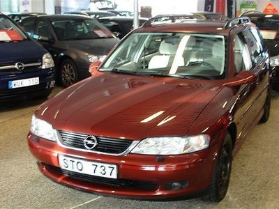 begagnad Opel Vectra 2,2 Kombi Sedan 2001
