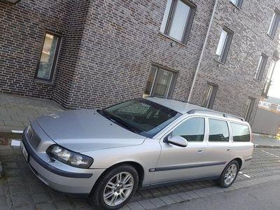 begagnad Volvo V70 2.4 t 200hk navi/drag