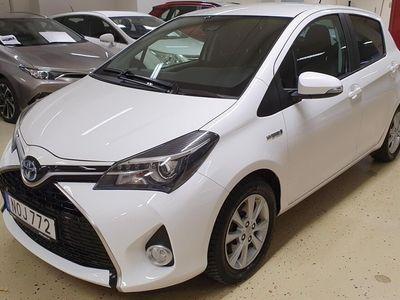 begagnad Toyota Yaris Hybrid Intense