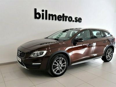 begagnad Volvo V60 CC D4 AWD Aut Summum Drag Vinterhjul Dubb VOC