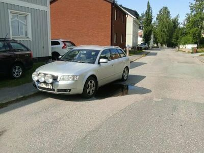 begagnad Audi A4 AVANT 2,4