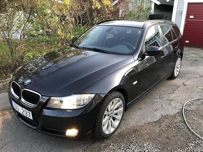 begagnad BMW 320 d xDrive Touring Ny Vxllåda