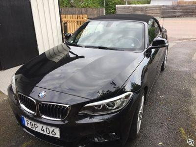 begagnad BMW 220 i cab M Sport i nyskick -16