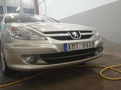 begagnad Peugeot 607 2.7 V6 HDi