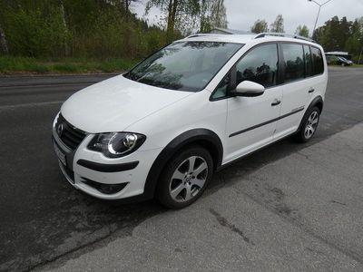 usado VW Touran Cross 2.0 TDI DSG Sekventiell Freestyle, Vinter 7-sits 140hk