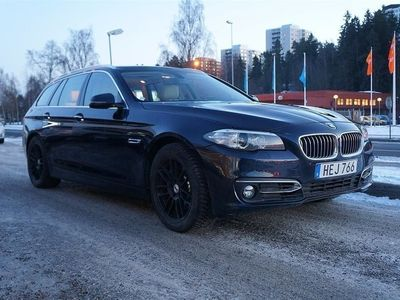 begagnad BMW 530 D xDrive/ Aut / Luxury Line / Panorama / 4WD/ Drag /