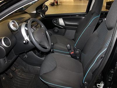 gebraucht Peugeot 107 1,0 VTi 68hk 5D