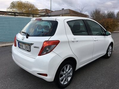 begagnad Toyota Yaris 1.4 D-4D ACTIVE 5D 2-ÅRS GARANTI