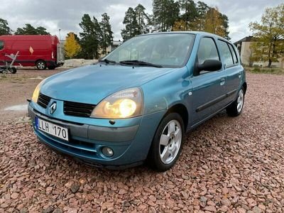 begagnad Renault Clio Halvkombi 1.2 Nybesiktad/75hk
