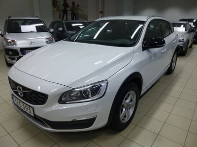begagnad Volvo V60 CC D4 AWD Business Adv