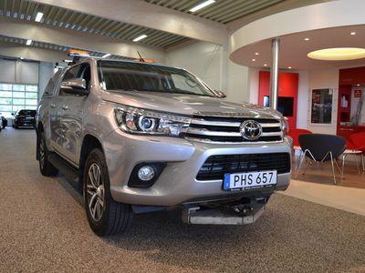 begagnad Toyota HiLux Dubbelhytt 2.4 Premium Kåpa/Värmare/Vhjul/Bohre plog