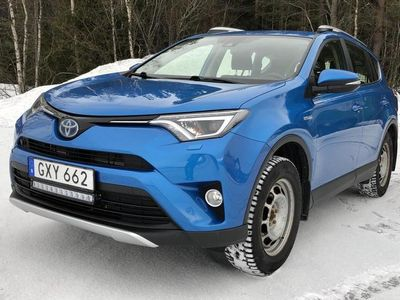 begagnad Toyota RAV4 2.5 HSD AWD 2016, SUV 210 000 kr