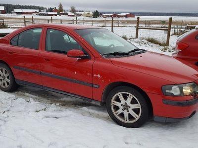 begagnad Volvo S60 BRA PRIS, OBESIKTIGAD