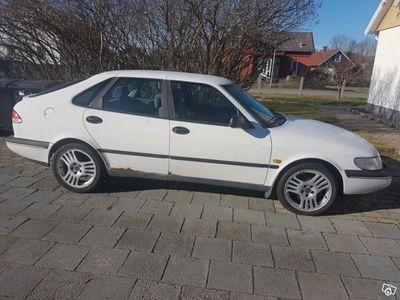 begagnad Saab 900 2,0 i -96