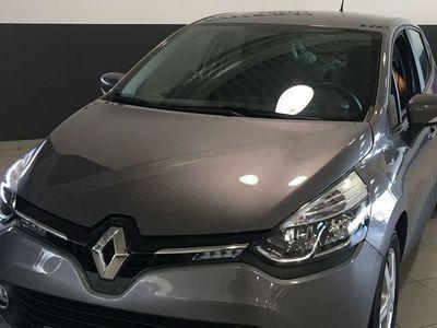 begagnad Renault Clio 75hk expression endast 1443 mil