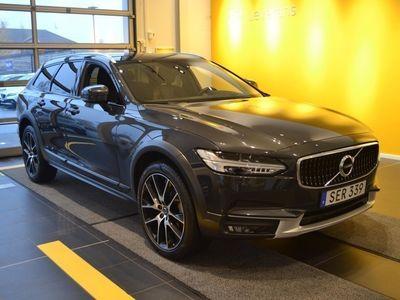usado Volvo V90 CC D5 AWD Pro 2017, Kombi 419 500 kr