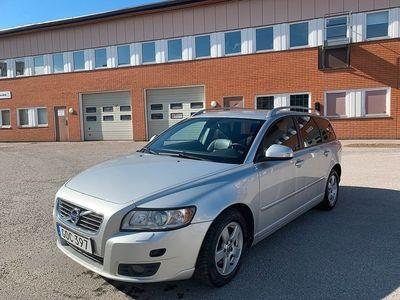 begagnad Volvo V50 2.0 Flexifuel Summum 145hk Nyservad