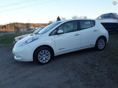 begagnad Nissan Leaf 24 kWh inkl.laddare+v-hjul