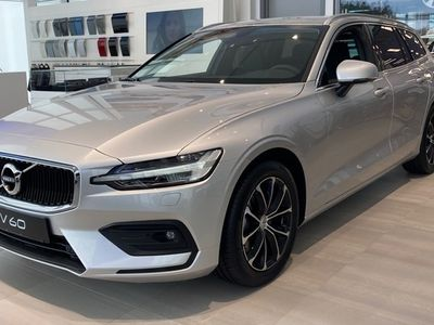 begagnad Volvo V60 D4 AWD Momentum Advanced Edition 2021, Kombi Pris 427 900 kr