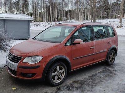 begagnad VW Touran Cross 2.0